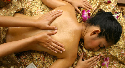 traditional-thai-oil-acupressure-massage